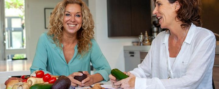 Voedingsprofessional begeleidt 50-plusser naar een gezonde leefstijl met de cursus Voeding en ouderen