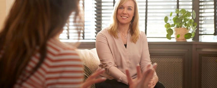 ADHD coach voert coachgesprek met cliënt bij de ADHD coach opleiding